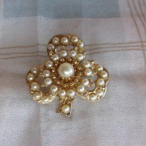 Coro Faux Pearl Gold Tone Shamrock Pin Brooch